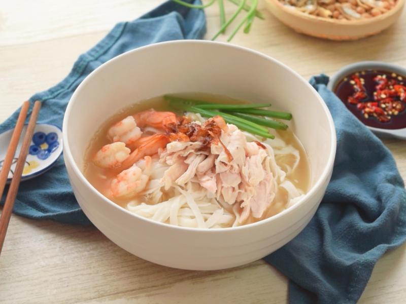 雞絲粿條湯 (影音食譜)