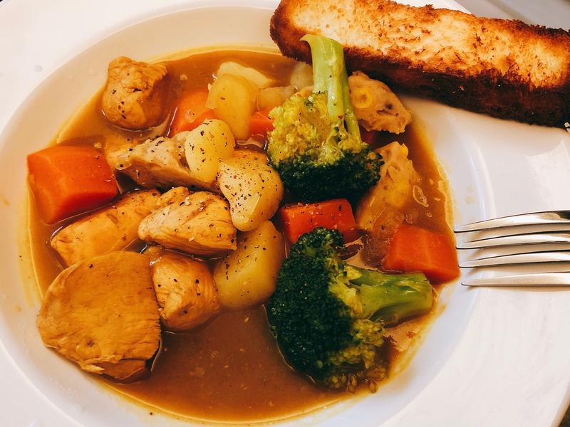 咖哩雞肉蔬菜丸子湯x氣炸羊奶吐司