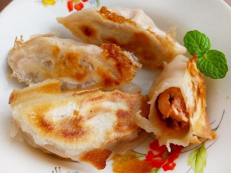 辣味菜心餃