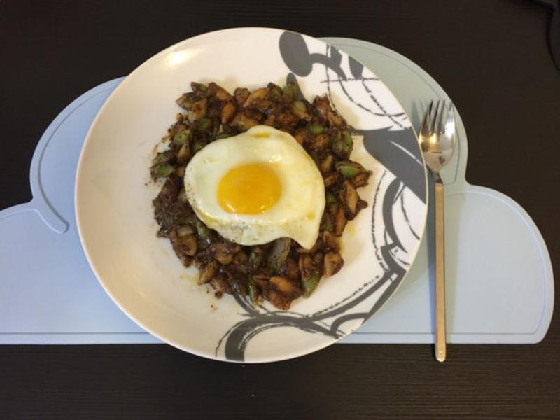 炆久之芯-台式傳家黑胡椒佐三色貝殼麵