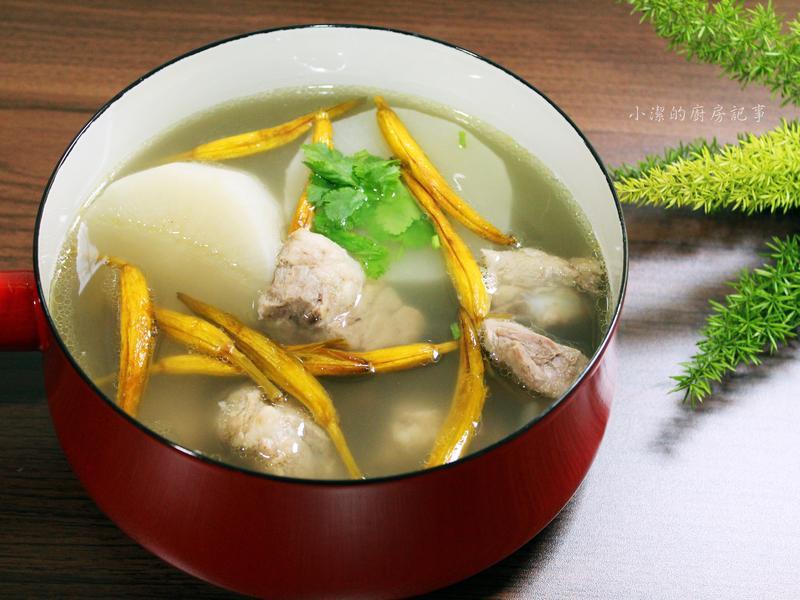 金針排骨湯