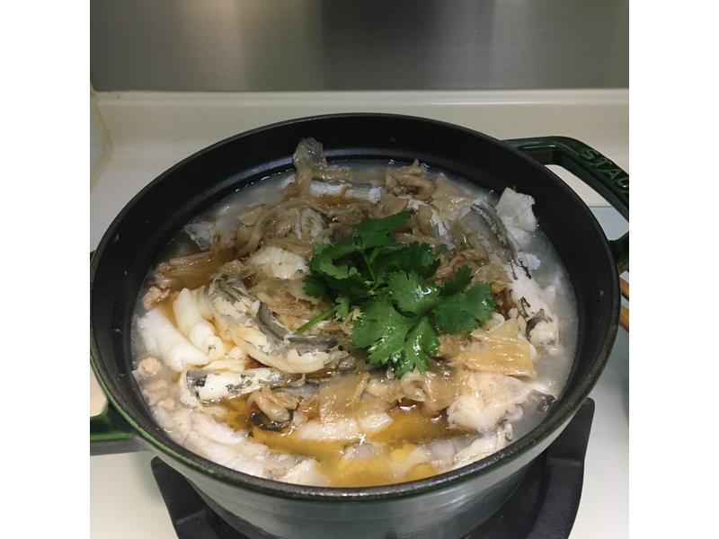 九肚魚粉絲湯煲