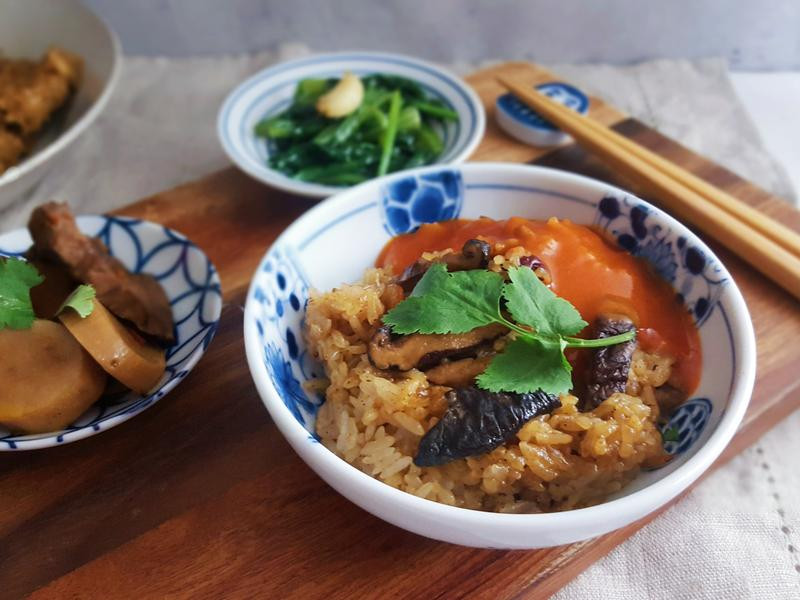 香菇紅棗油飯