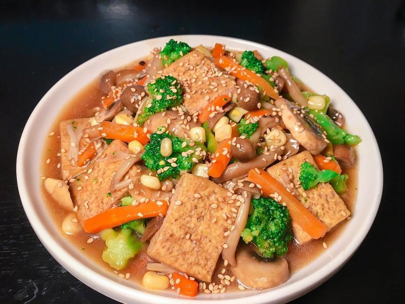 下飯菜~ 什錦菇菇紅燒豆腐