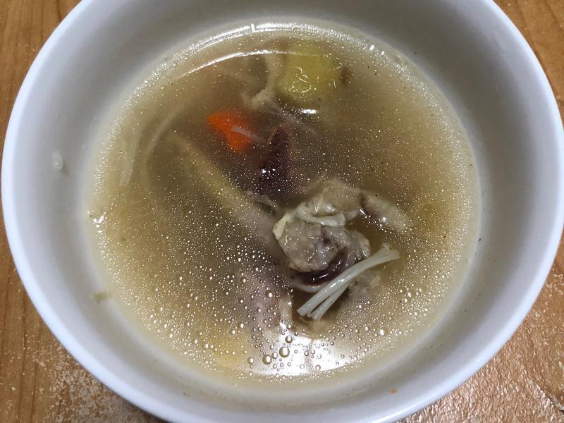 (快煮鍋)蘿蔔雞湯