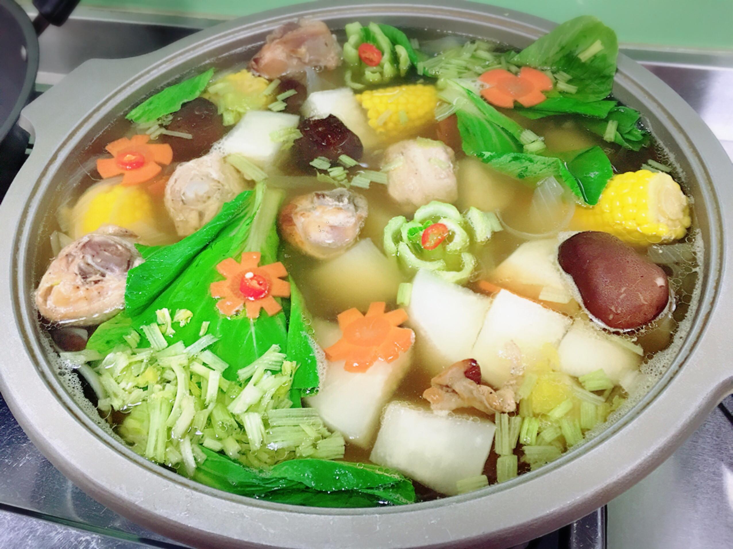 蘿蔔蔬菜雞湯