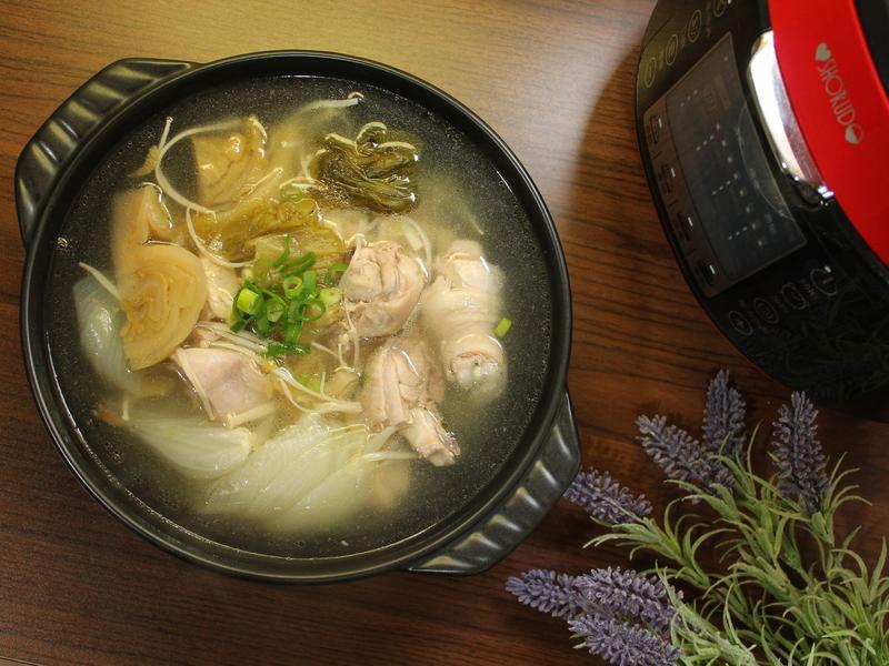 酸菜雞肉鍋
