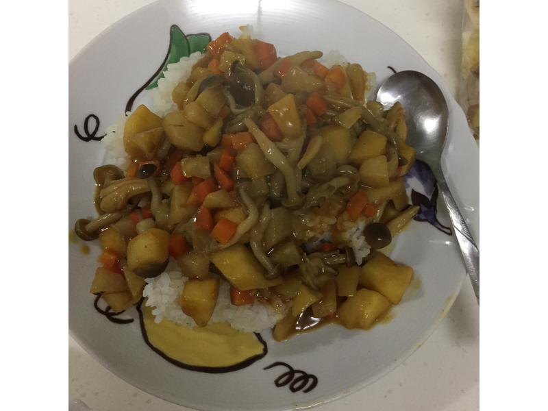 菇菇梨蘿咖哩飯