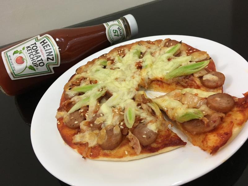 韓式泡菜香腸比薩