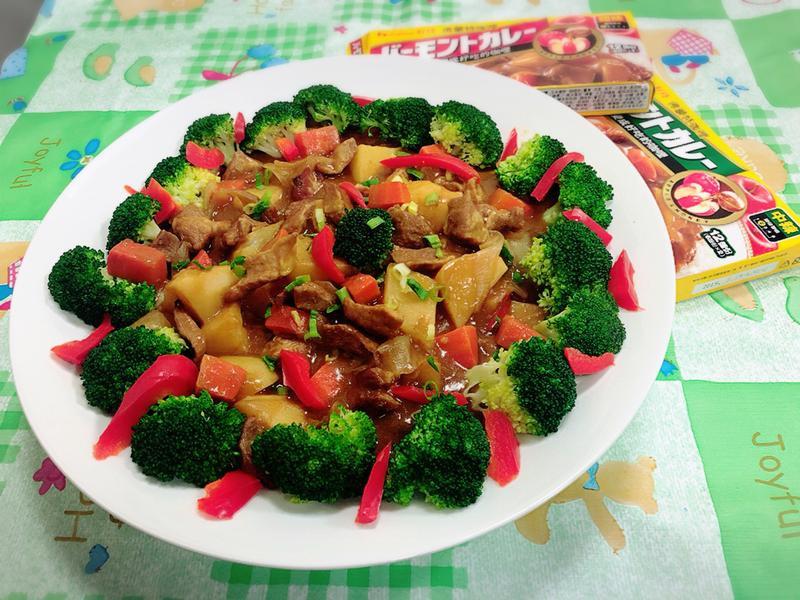 咖哩松阪豬肉(佛蒙特咖哩中辣、甜味)