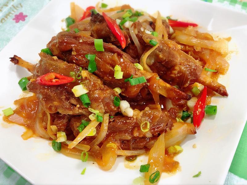 豬棒棒腿燴紅醬(水波爐料理)