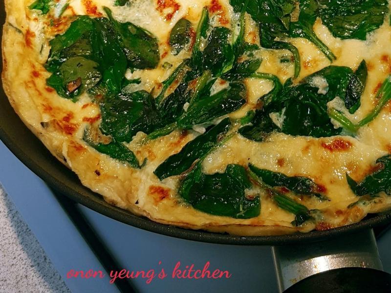 新手料理の菠菜煎蛋餅
