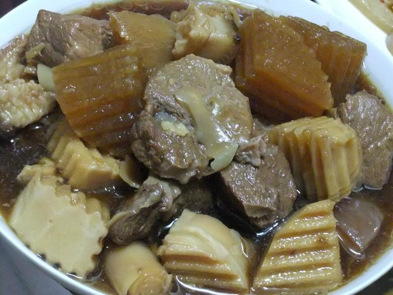 ღ小吟愛做菜ღ 筍塊蘿蔔滷控肉