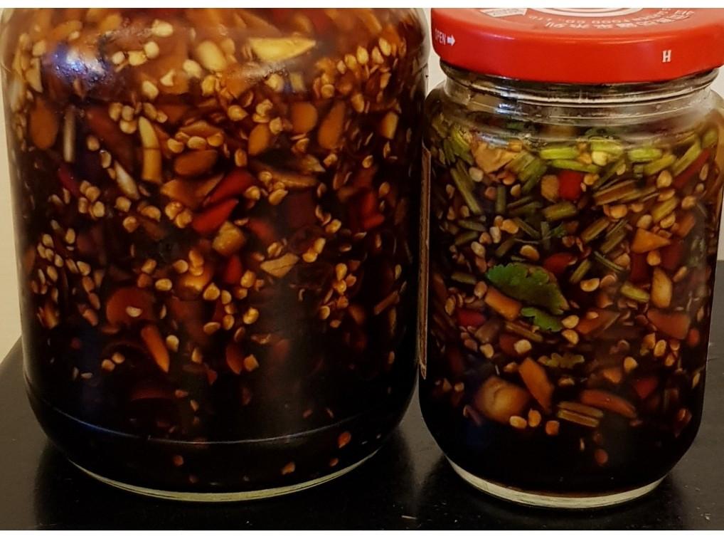 蒜頭辣椒醬油