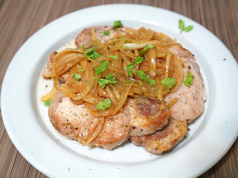 洋蔥豬排。簡易料理
