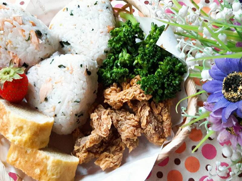 青菜鮭魚飯糰