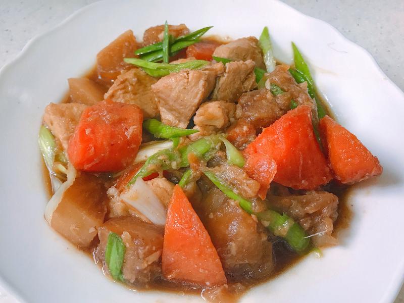 好下飯雙色蘿蔔燒雞
