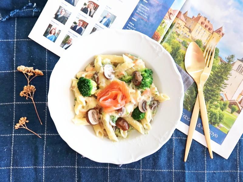 低卡簡單~燻鮭魚起司蘑菇筆管麵(影片)