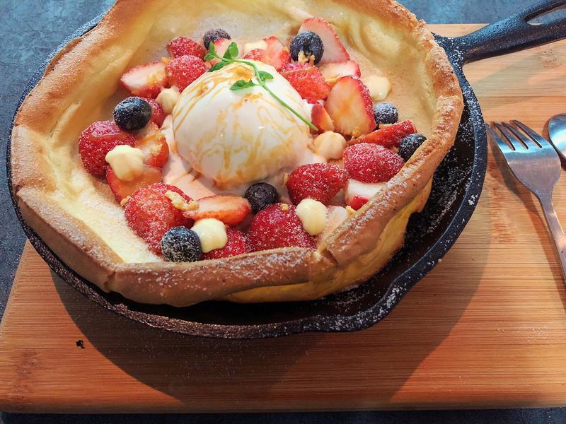 草莓荷蘭鬆餅(鐵鍋鬆餅)