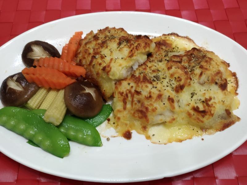 焗烤魚片(紅鱈魚)