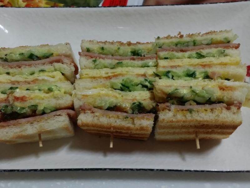 烤總匯三明治