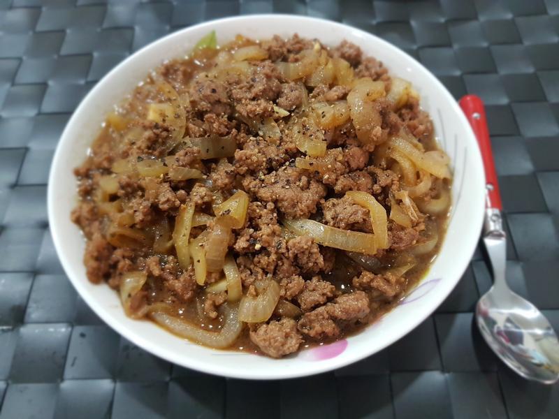 黑胡椒洋蔥炒肉末 5步驟完成下飯料理