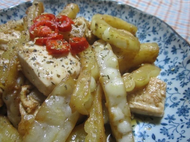 【康寶鮮味炒手】苦瓜燴豆腐