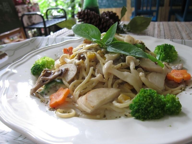 【吳双の愛妻料理】-好菇道菇idea!素食也可以享用的奶油鮑菇義大利麵