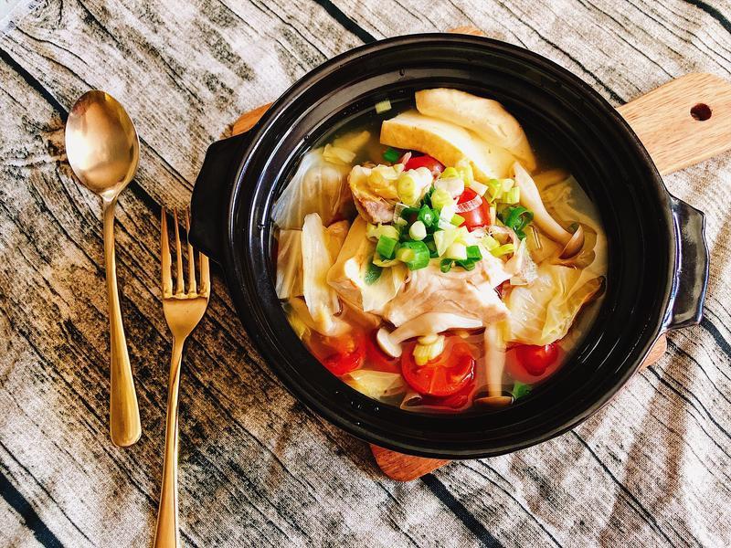 瘦身好夥伴~低卡番茄鮮菇高麗菜鯛魚湯