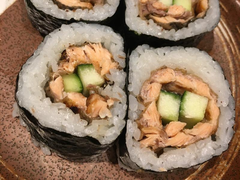 三文魚皮壽司卷