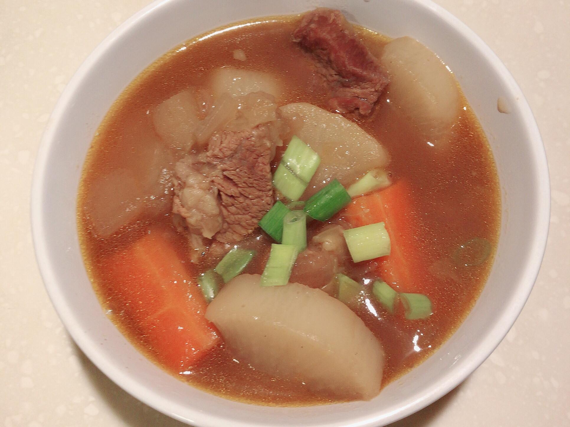 清燉咖哩牛肉蘿蔔湯
