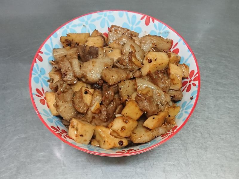 杏飽菇炒五花肉