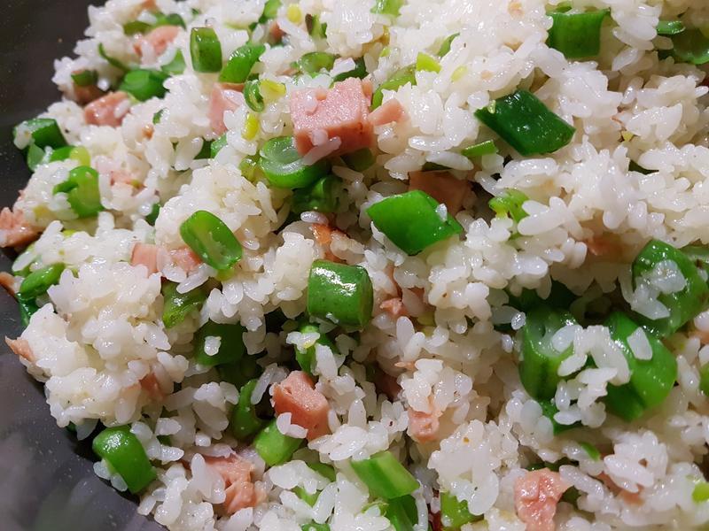 罐頭火腿四季豆炒飯