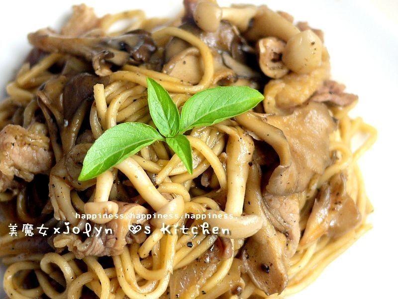 「好菇道菇idea」黑椒牛肉菇菇炒麵