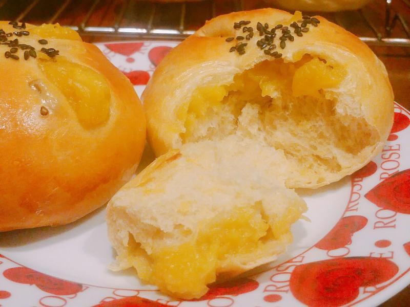黑糖地瓜絲牛奶麵包