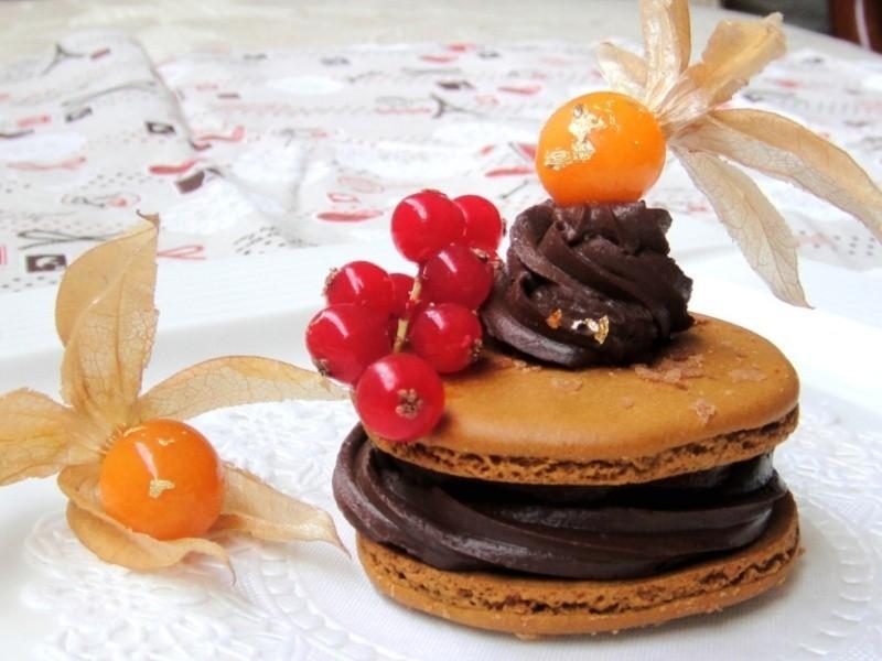 父親節蛋糕-咖啡馬卡龍佐黑巧克力夾心