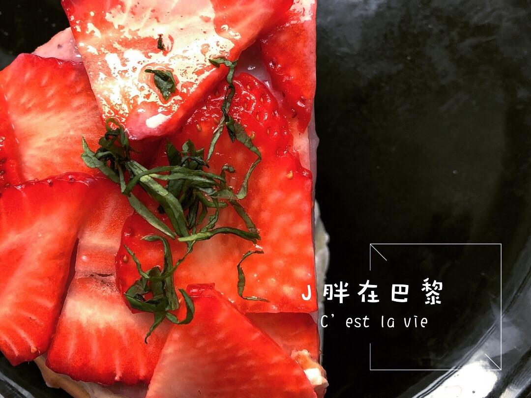草莓優格千層蛋糕🍓