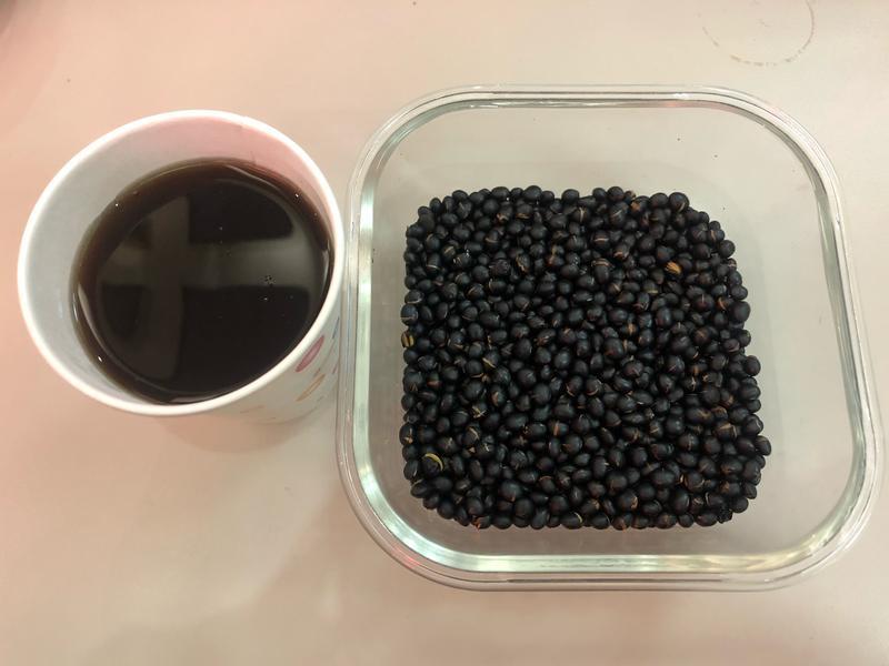 香氣十足~黑豆水(非常簡單喲~)