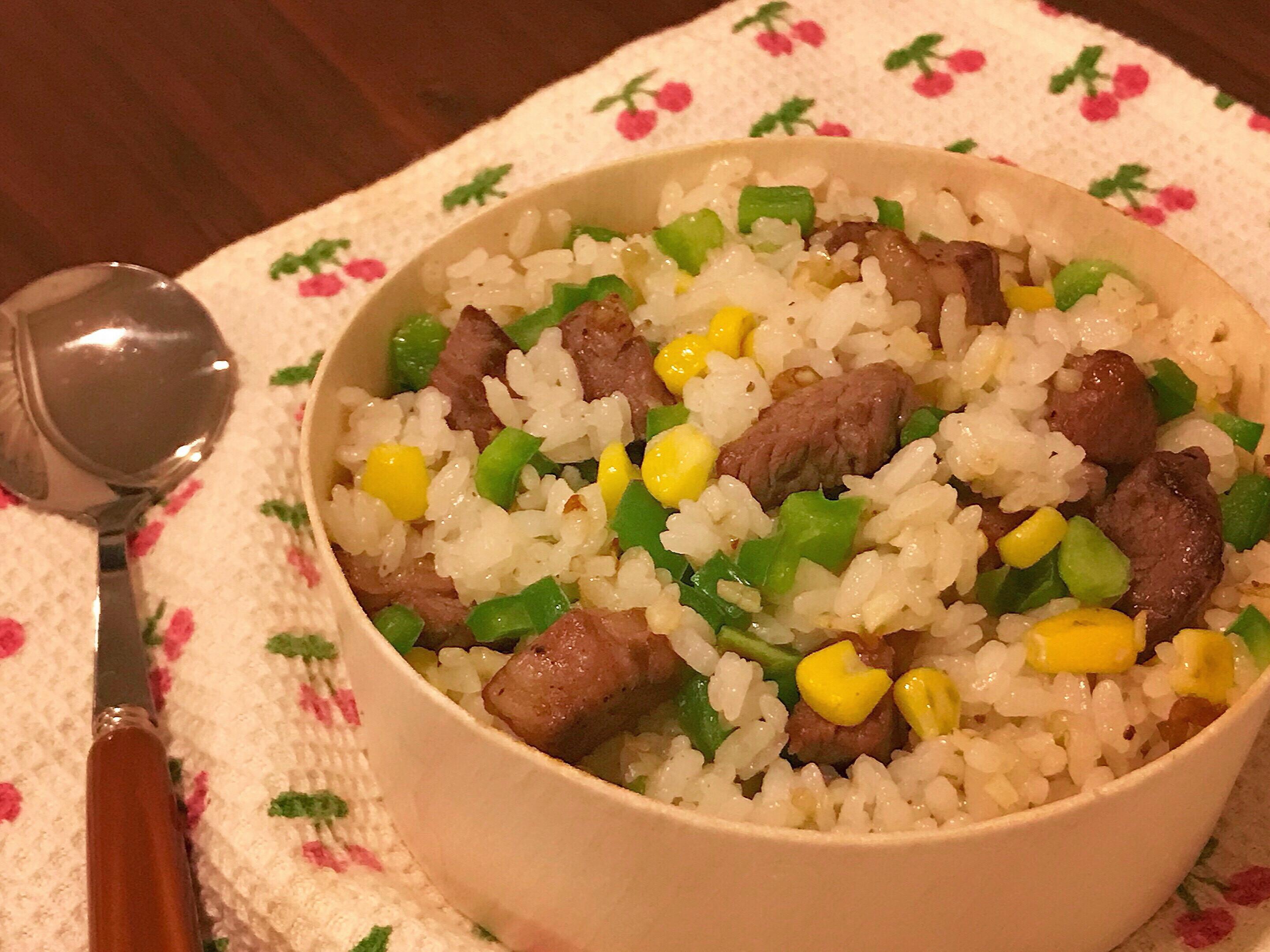 粒粒分明的油蔥酥牛肉炒飯(少油)