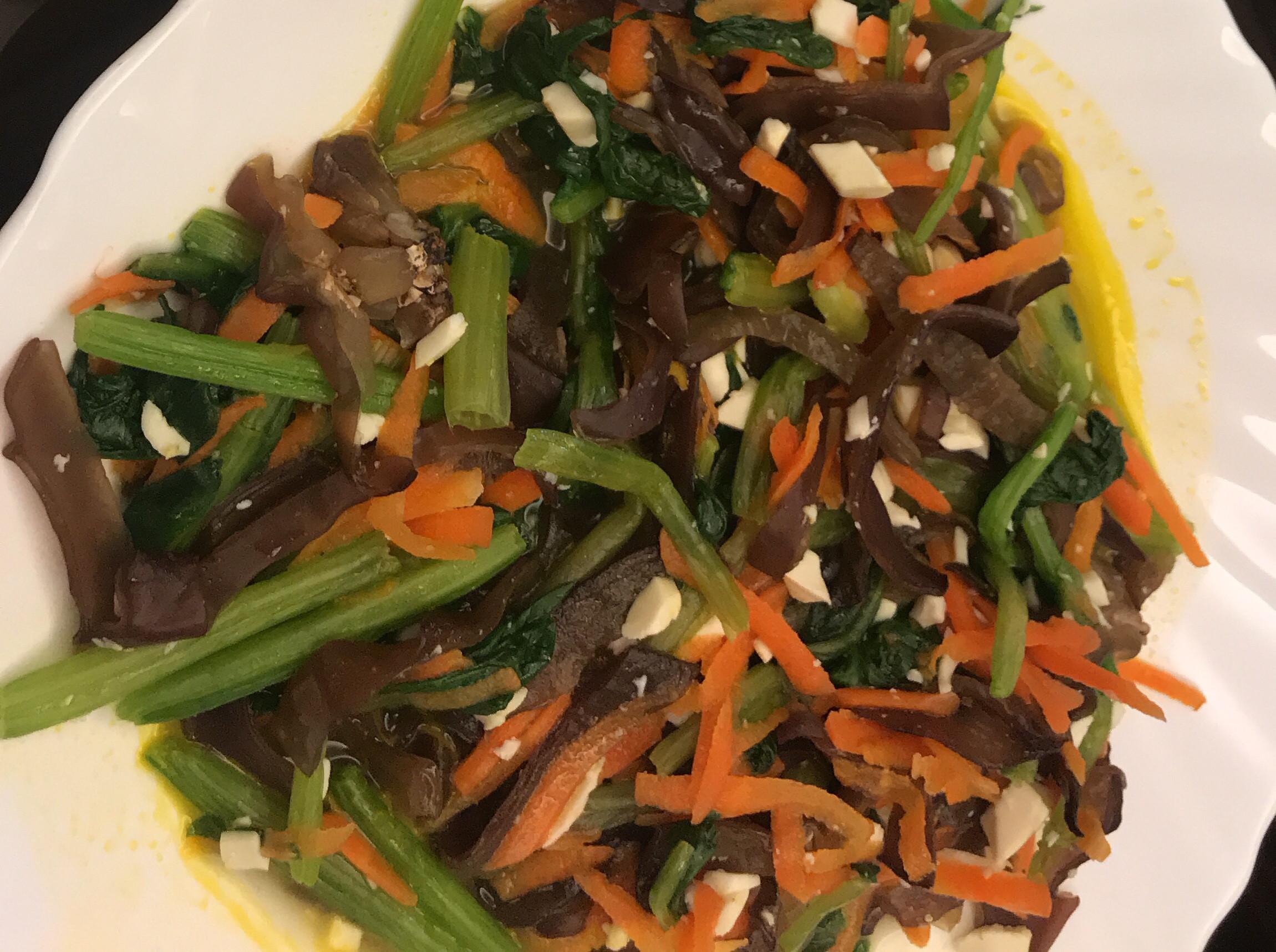 黑木耳紅蘿蔔炒波菜