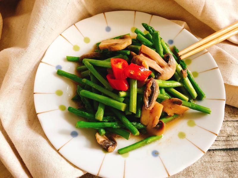蘆筍炒蘑菇片