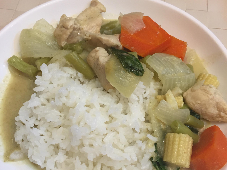 綠咖喱椰汁雞