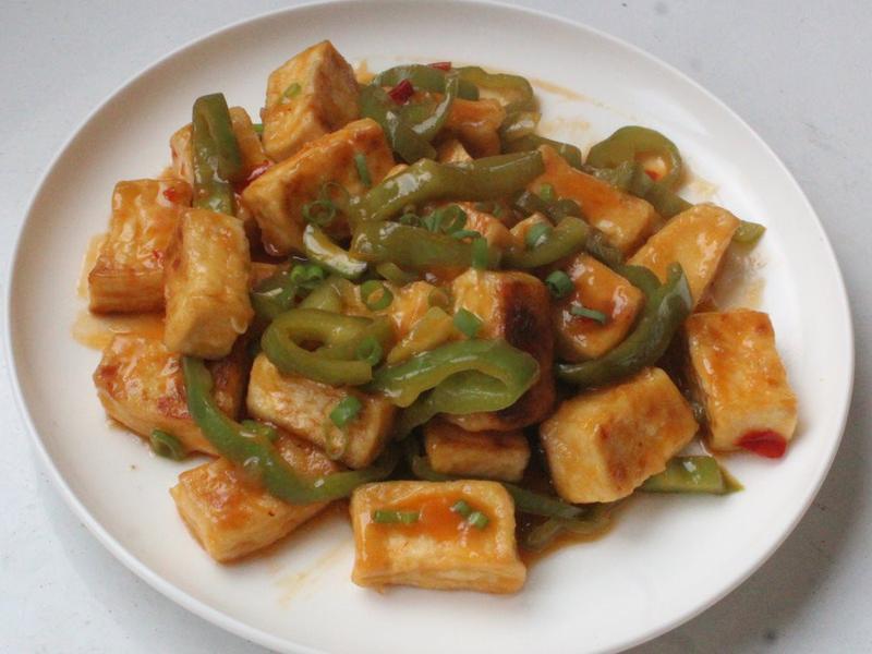 青椒橙汁辣味豆腐