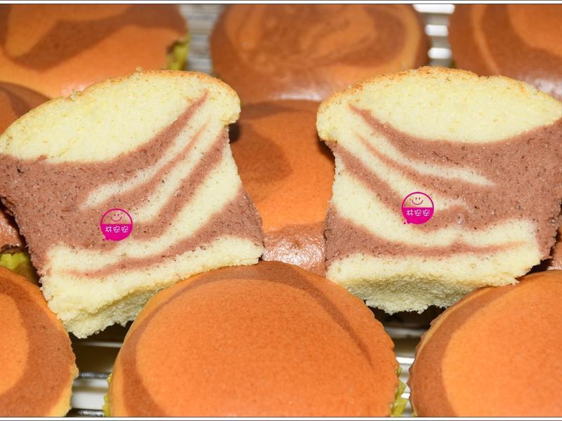 水浴法斑馬紋杯子蛋糕