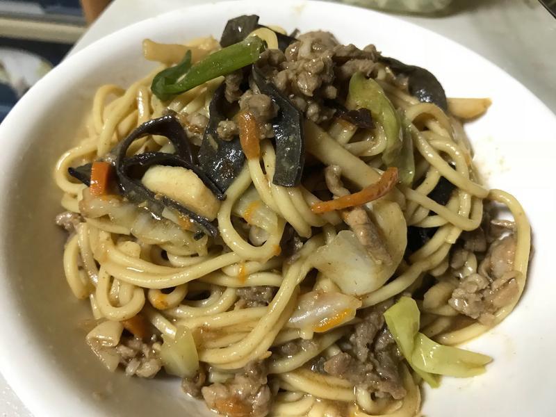 沙茶竹筍肉絲炒麵