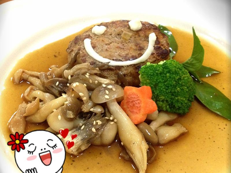 【吳双の愛妻料理】-好菇道菇idea!綜合菇燉漢堡排