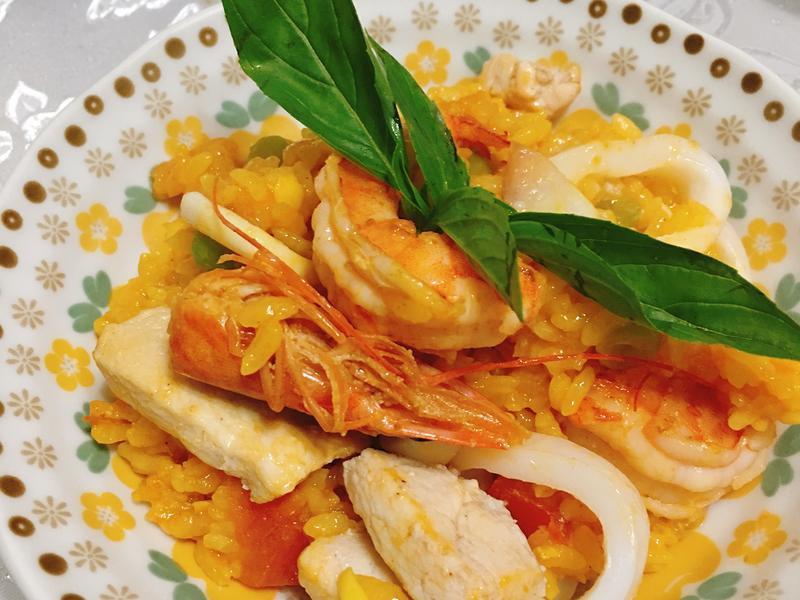 西班牙薑黃海鮮飯