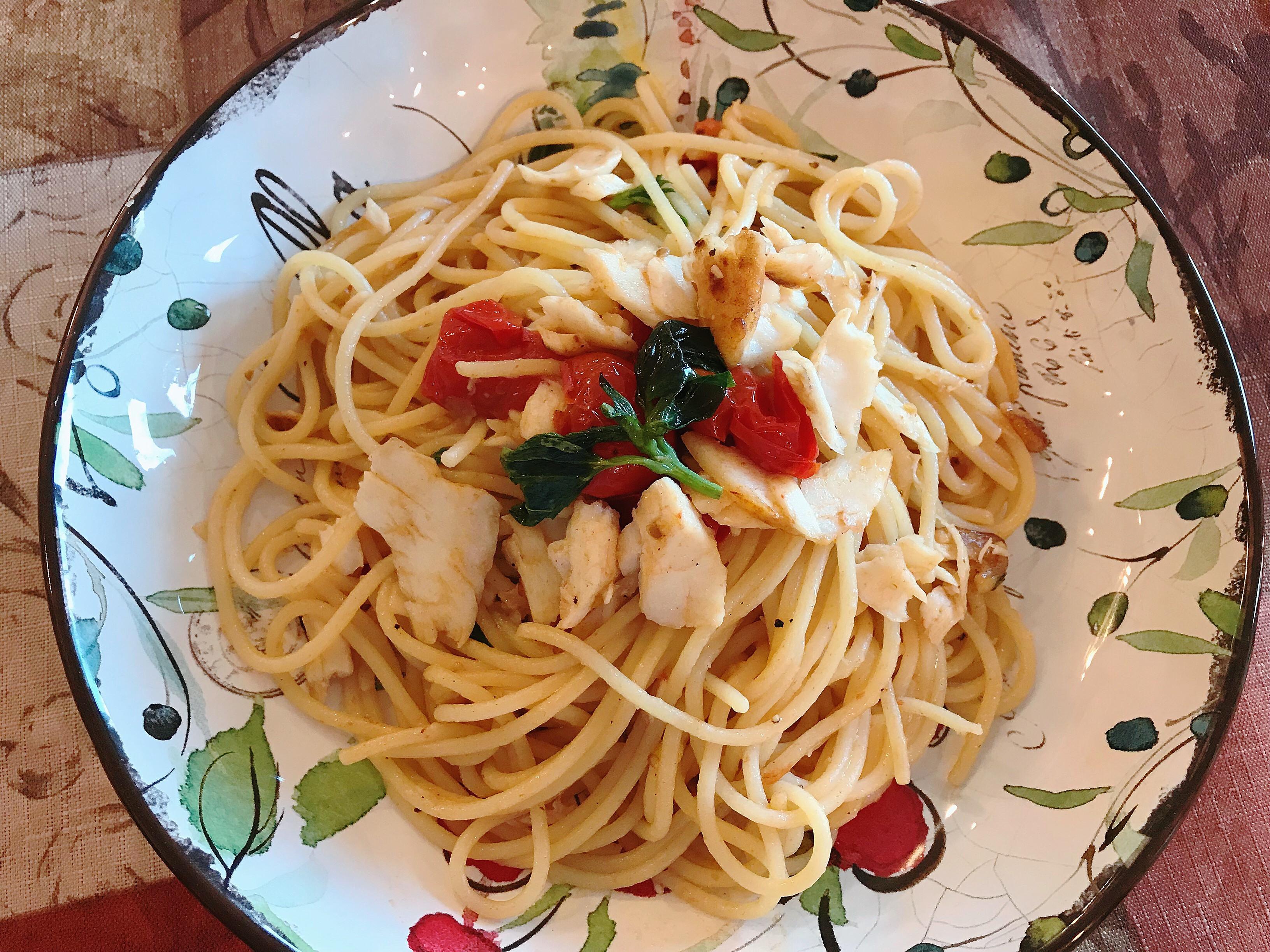 扁鱈魚蕃茄義大利麵