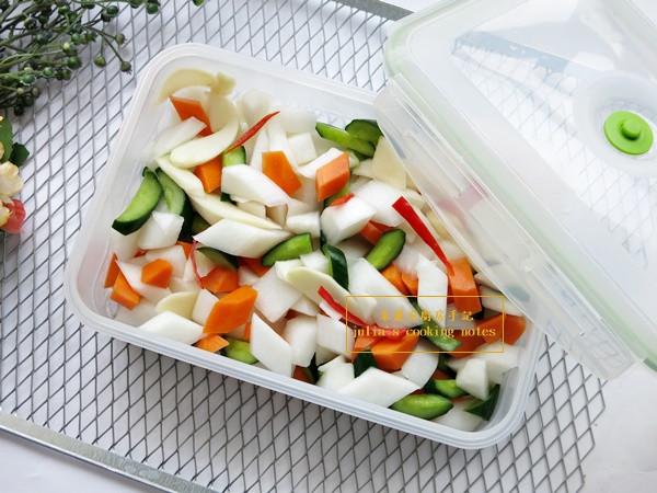 [港式泡菜]簡單開胃菜 醃蘿蔔小黃瓜