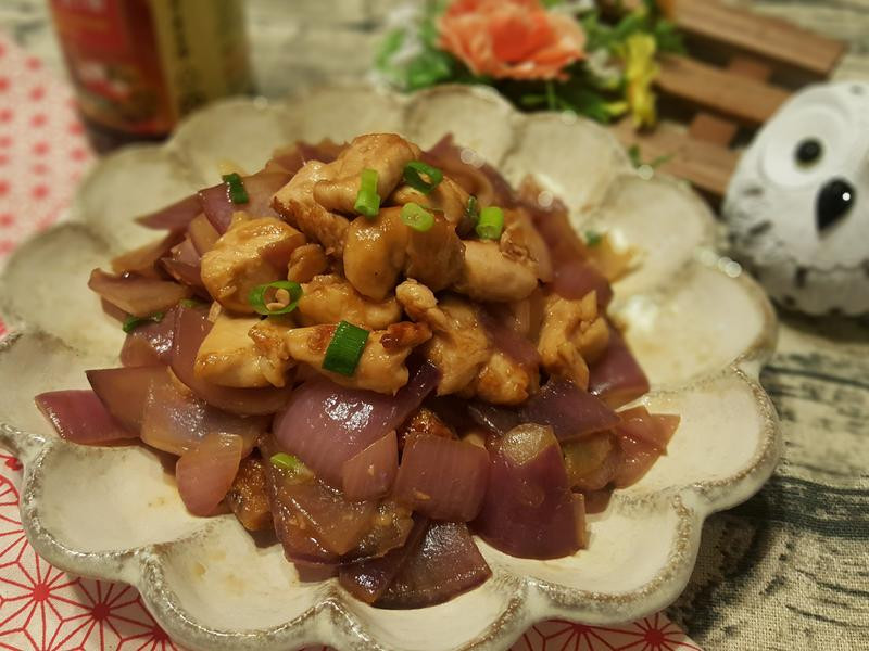 滑嫩雞丁炒洋蔥